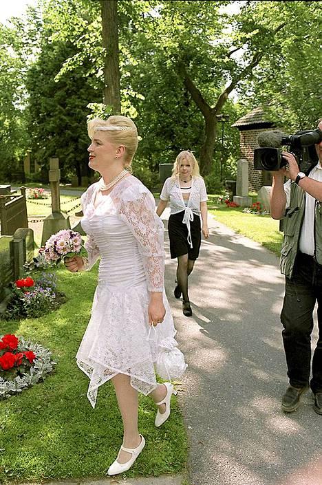 Simo Salminen avioitui Päivin kanssa 1998.