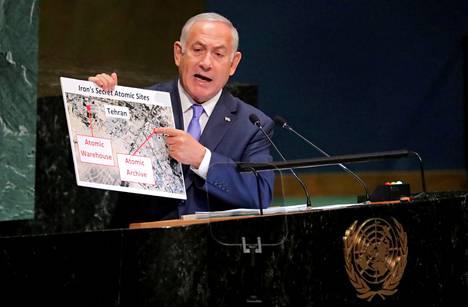 Israelin pääministeri Benjamin Netanjahu esitti YK:n yleiskokouksessa vuonna 2018 väitteitä Iranin salaisesta hankkeesta rakentaa ydinase. Iran kiisti syytökset.