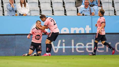 Roope Riskin (vas.) 1–1-tasoitus ei auttanut HJK:ta voittoon Malmöä vastaan Mestarien liigan toisen karsintakierroksen avauksessa.