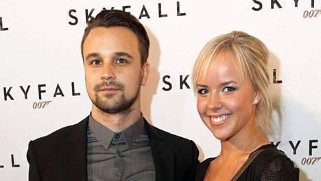 Mikko Parikka kiusoitteli Sara-vaimoaan Instagramissa.