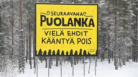 Puolankaa on markkinoitu pessimismillä. Kunnassa on noin 2500 asukasta.
