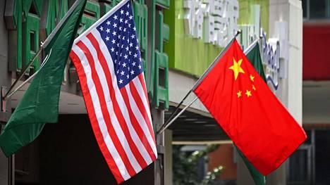 Yhdysvallat poistaa tuontitulleja vaiheittain ja Kiina suostuu ostamaan enemmän tuotteita Yhdysvalloista