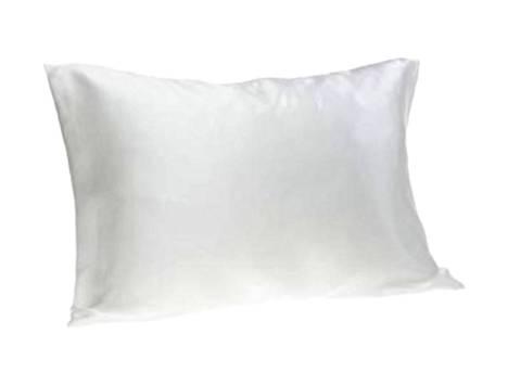 Silkkikaupan tyynynpäällisen silkki on kudottu pitkästä filamenttikuidusta satiinisidoksella Kiinassa, ja tyynyliina on tehty Suomessa. Silkin sileä pinta hellii sekä ihoa että hiuksia, 46 €, silkkikauppa.fi.