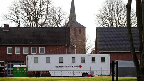 Liikkuva koronavirustestausasema kuvattiin Heinsbergissa maaliskuun alkupuolella.