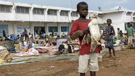 Banguin kansainväliselle lentokentälle asettui tammikuun alussa noin 20 000 pakolaista.