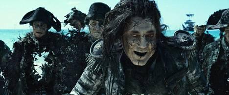 Javier Bardem on kostoa hautovan kapteeni Salazarin roolissa moneen umpikujaan ajautuvan juonen kannalta käytännössä tarpeeton.