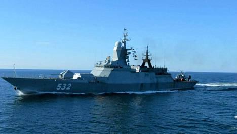 Venäläinen sota-alus kuvattuna Arandalta.