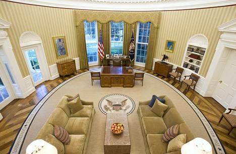 Valkoinen talo on hulppea, mutta Trump on tottunut vieläkin prameampaan asumukseen.