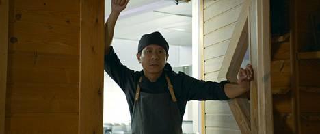 Chu Pak Hong näyttelee elokuvassa mestarikokkia, joka saapuu Lappiin.