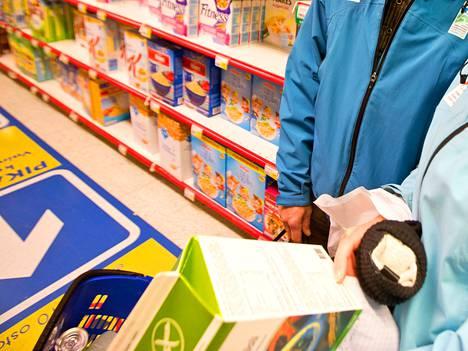 Elintarvikeala uudistaa ruokapakkausten merkintöjä, ja se aiheuttaa pakkausyhtiöille vaikean tilanteen.