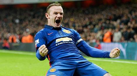 Wayne Rooney tuuletti voitto-osumaa.