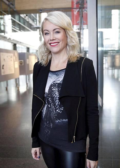 Anne Kukkohovi on saanut miehiltä runsaasti huomiota. Yksi heistä oli suomalainen elokuvaohjaaja, joka ahdisteli naista pitkään.