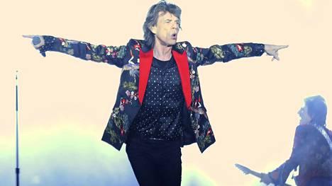 Mick Jaggerin huhutaan seurustelevan itseään huomattavasti nuoremman naisen kanssa.