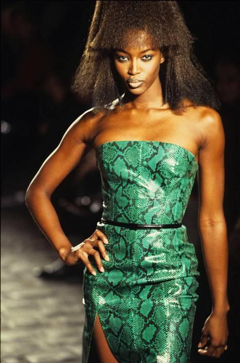 Givenchy 1997.