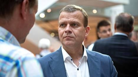 Puheenjohtaja Petteri Orpo piti puheen kokoomuksen eduskuntaryhmän kesäkokouksessa.
