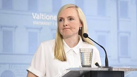 Sisäministeri Maria Ohisalo (vihr) osallistui perjantaina Pohjoismaiden sisäministerien kokoukseen. Kokouksessa ei lähdetty lieventämään Ruotsiin kohdistuvia matkustusrajoituksia.