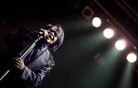 Funkin kummisetä James Brown (1933-2006) kohautti aikoinaan teeskentelemällä sydänkohtauksen lavalla. Lopulta hän kuolikin sydänkohtaukseen, mutta ei lavalla.
