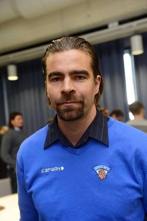 Jussi Ahokas on ennen valmentajanuraansa pelannut maalivahtina.