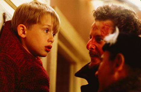 Macaulay Culkin elokuvassa Yksin kotona (1990).