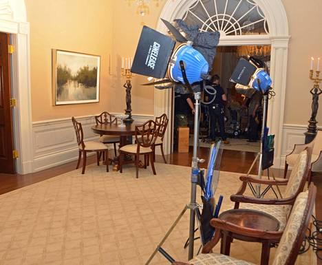 Huonekalut ovat tarkkoja kopioita alkuperäisistä.