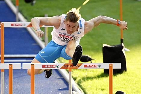 Elmo Lakka pinkoi EM-kisoissa ennätyksensä.