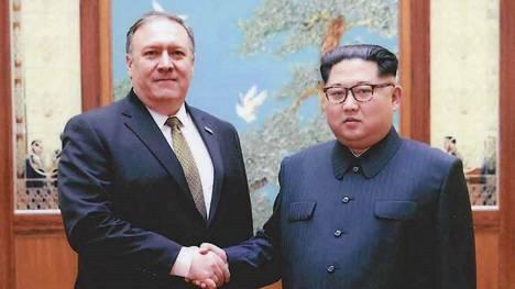 Mike Pompeo ja Pohjois-Korean johtaja Kim Jong-un tapasivat huhtikuussa.