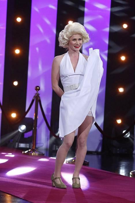 Minka Kuustosen hahmo muistutti erehdyttävästi Marilyn Monroeta.