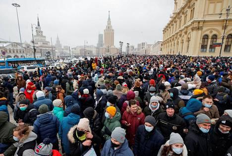 Mielenosoitukseen Moskovassa osallistui tuhansia ihmisiä.