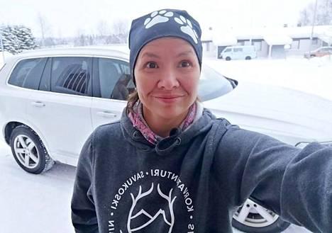 Savukosken eläinlääkäri Hanna Nurmi ei usko sähköauton toimivan hänen työssään.