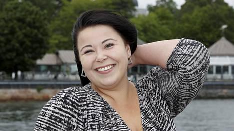Ennakkosuosikin viittaa kantanut Siiri Lipiäinen kruunattiin kesäkuussa Miss Plus Size -voittajaksi Helsingissä Hampton Bay -ravintolassa.