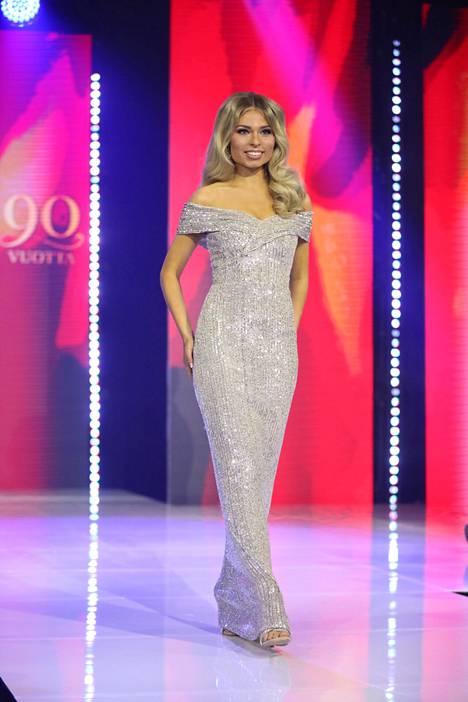 Essi Unkuri valloitti sydämet Miss Suomi -finaalissa.
