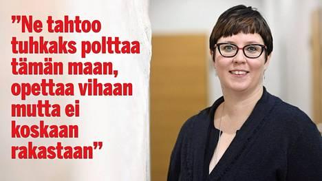 """Presidenttiehdokas Merja Kyllönen repäisi ja """"räppäsi"""" puoluevaltuustossa – katso ja kuuntele"""