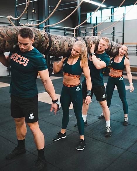 Mato on yleinen joukkueiden käyttämä väline. Se voi painaa jopa 180 kiloa.