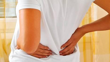 Vaikka selkä on kipeä, rennossa liikkeessä kannattaa pysyä.