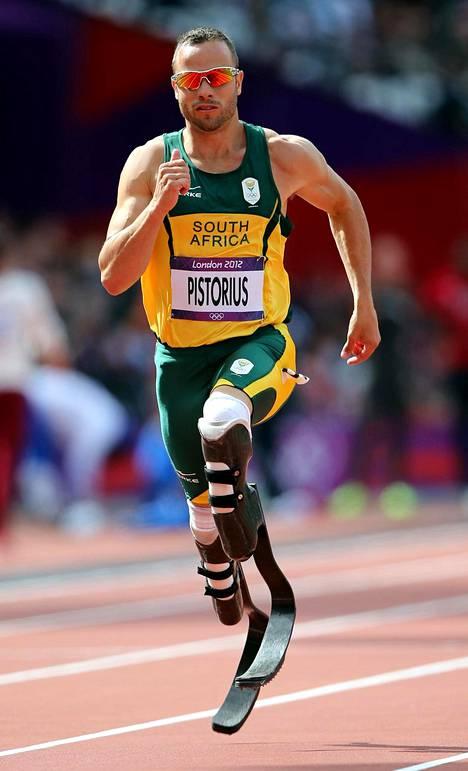 Oscar Pistorius on ainoa paraurheilija, joka on kilpaillut vammattomien arvokisoissa. Kuva Lontoon olympialaisten 400 metriltä 2012.