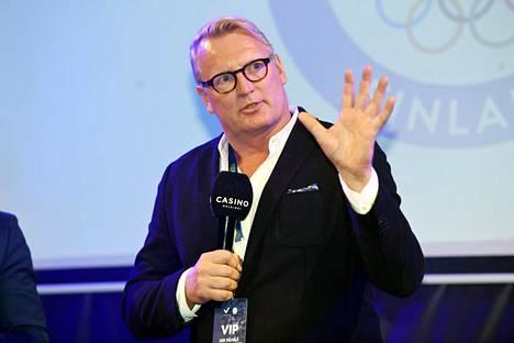 Luhta Sportswear Companyn Juha Luhtanen 100 päivää olympialaisiin -tilaisuudessa.