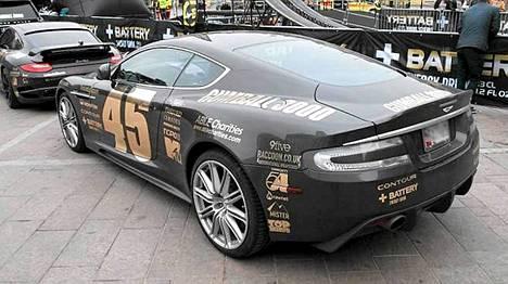 Gumball-kisassa ajoi muun muassa tällaisia Aston Martin -autoja. Kuvan auto ei välttämättä liity sakkotapaukseen.