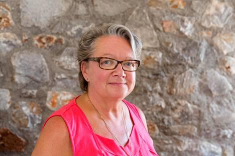 Lukemattomat konkurssin tehneet ihmiset ovat ottaneet yhteyttä Palmuun. Nainen näkee suomalaisen yrittäjäkulttuurin julmempana kuin muualla.