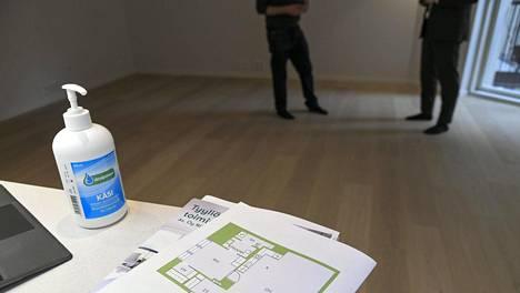 Vuokra-asuntoja kaupitellaan entistä enemmän myös nettihuutokaupoissa ja Facebook-ryhmissä.