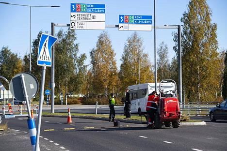 Viimeisiä esteitä kerättiin pois Tornion ja Haaparannan rajalta.