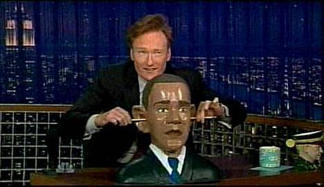 Conan OBrien oli taas vauhdissa. Punapää esitteli ohjelmassaan outoa Obama-krääsää.