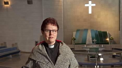Maarit Hirvi on toiminut pappina 25 vuotta, mutta edelleen hän joutuu kohtaamaan seksuaalista häirintää. Yhden tapauksen hän on vienyt oikeuteen asti.