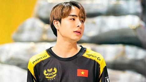 """Phạm """"Zeros"""" Minh Lộc, 20, sai koronaan liittyvän kommentin takia elinikäisen pelikiellon maansa suurimpaan kilpasarjaan."""