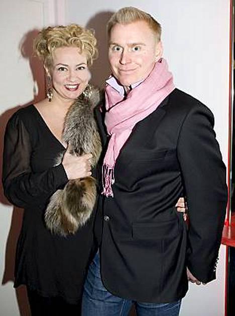 Susanna Indrénillä ja kihlatulla Tomi Kannolla on ikäeroa seitsemän vuotta.