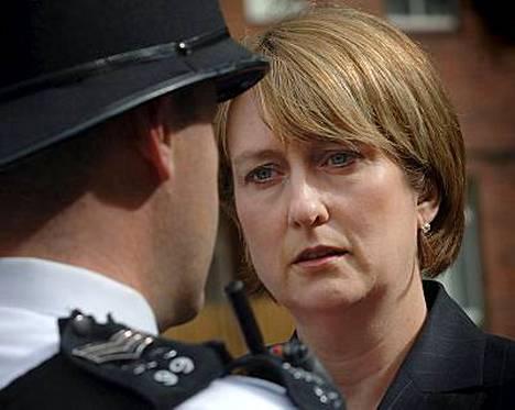 Britannian sisäministeri Jacqui Smith pössytteli opiskeluaikoinaan kannabista.