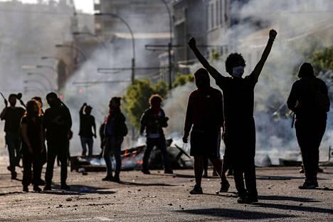 Mielenosoitukset eivät osoita merkkejä laantumisesta.