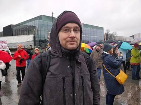 Antti Rautianen on huolestunut radikaalin äärioikeston tekemistä iskuista.