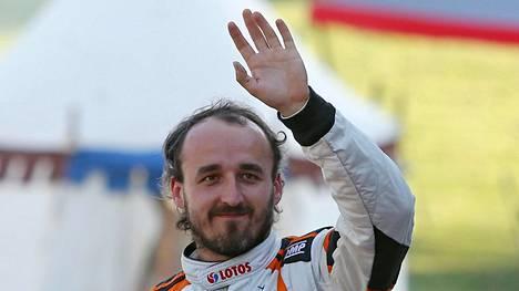 Robert Kubica palasi F1-auton rattiin kuuden vuoden tauon jälkeen.
