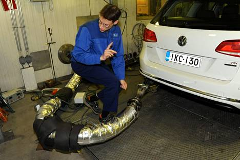 VTT:llä tutkittiin uutta bensalaatua kesäkuussa 2011.
