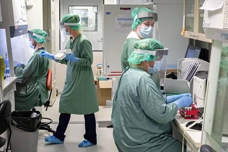 Jos tartuntojen määrä kasvaa nykyisellä vauhdilla, nousee sairaanhoitopaikkojen tarve THL:n arvion mukaan noin 1500:een maaliskuussa. Kuva Helsingin ja Uudenmaan sairaanhoitopiiristä.